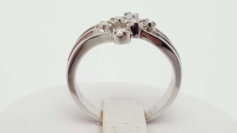 Lady's Diamond Fashion Ring 6 Diamonds 0.18 Carat T.W. 18K White Gold 4.5g Size: