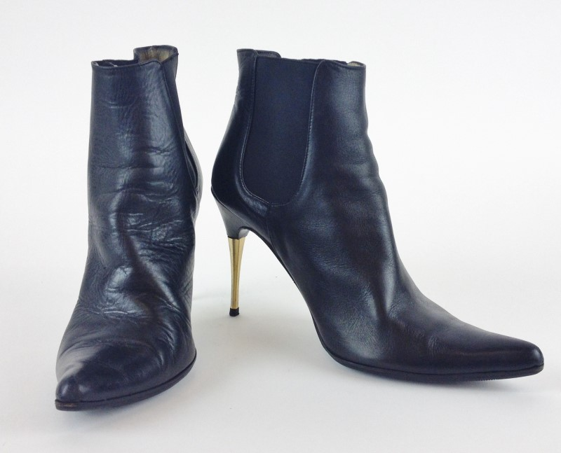 DOLCE & GABBANA POINTED TOE LEATHER ANKLE BOOTS 39E 8.5US