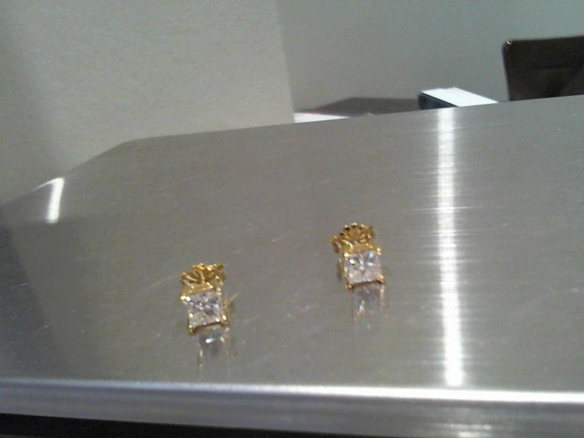 Gold-Diamond Earrings 2 Diamonds 1.00 Carat T.W. 14K Yellow Gold 1.2g