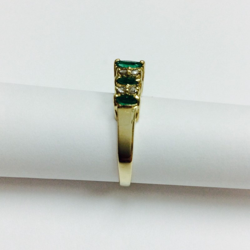 Synthetic Emerald Lady's Stone & Diamond Ring 8 Diamonds .08 Carat T.W.