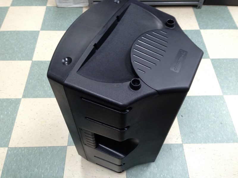 MACKIE THUMP TWO WAY POWERED LOUDSPEAKER, MODEL#TH-15A
