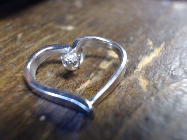 Gold-Diamond Solitaire Pendant .05 CT. 14K White Gold 1.6g