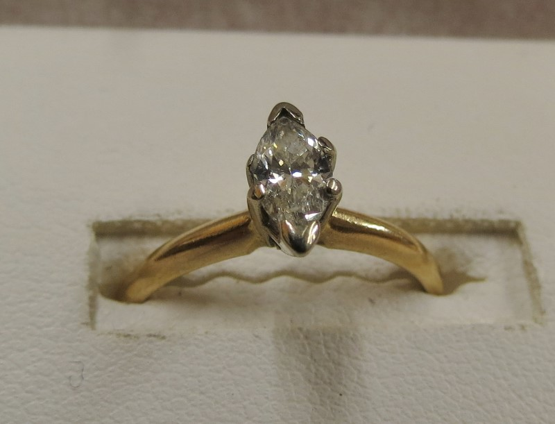 .40 MARQ 14K  ENGAGEMENT RING Yellow Gold Size 6.5
