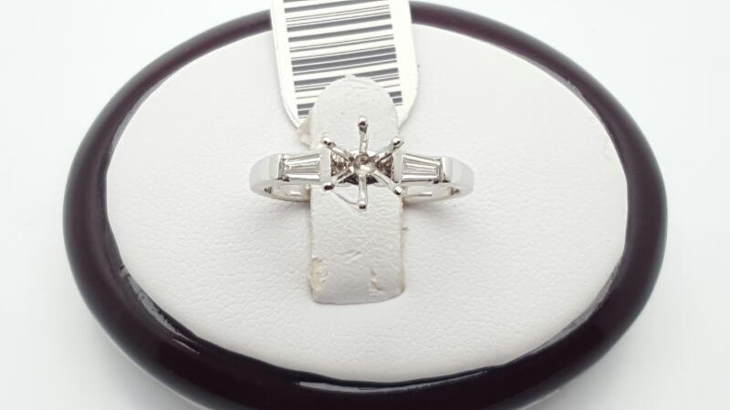 Lady's Platinum-Diamond Solitaire 2 Diamonds 0.2 Carat T.W. 950 Platinum 4.5g Si