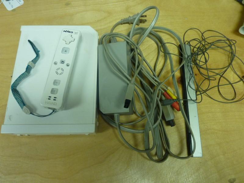 NINTENDO Wii WII CONSOLE RVL-001