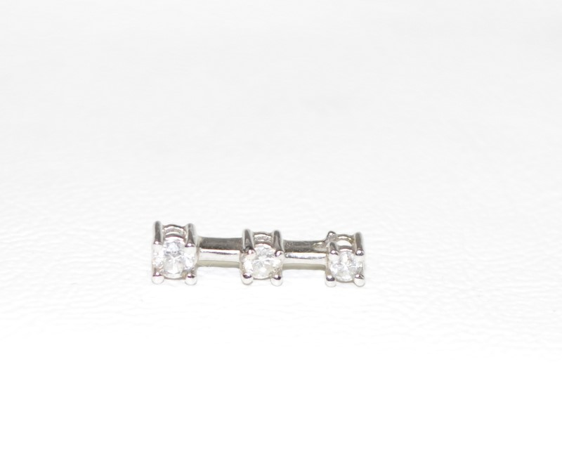 Gold-Multi-Diamond Pendant 3 Diamonds .21 Carat T.W. 14K White Gold 0.9g