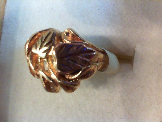 Lady's Gold Ring 10K 2 Tone Gold 3.2g