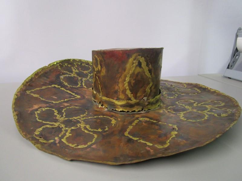 HANGING METAL GARDENING HAT, DECORATIVE WELDED STEEL ART