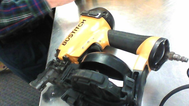 BOSTITCH ROOF NAILER RN46-1