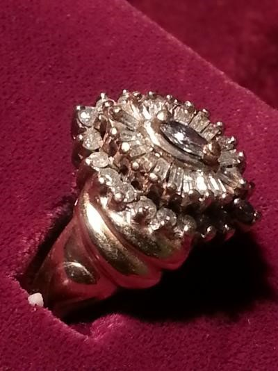 Lady's Diamond Cluster Ring 19 Diamonds .27 Carat T.W. 10K Yellow Gold 4.8dwt