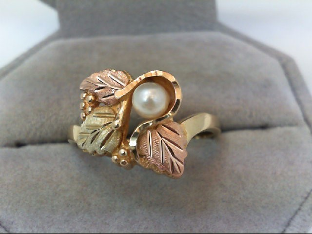 Lady's Gold Ring 10K Yellow Gold 4.2g