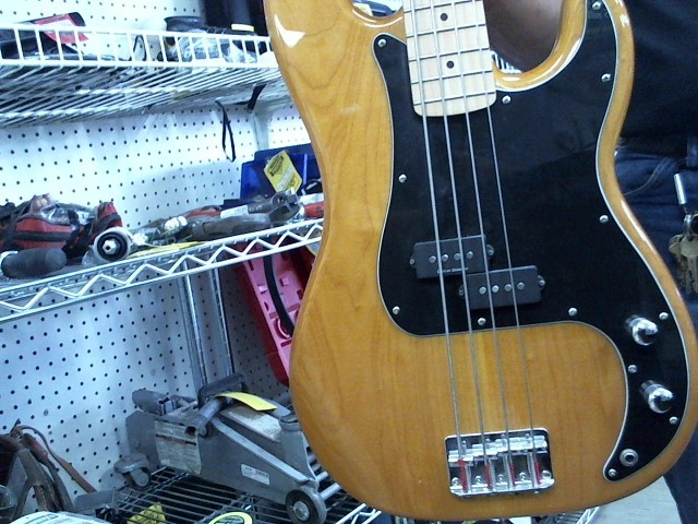 FENDER Bass Guitar PBASS