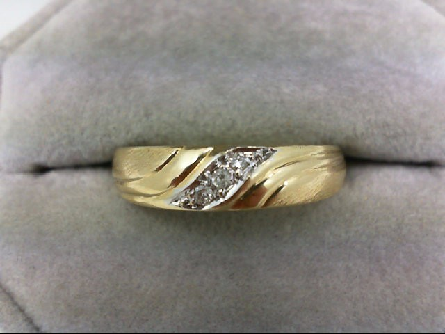Gent's Gold-Diamond Wedding Band 3 Diamonds 0.03 Carat T.W. 10K Yellow Gold 3.1g