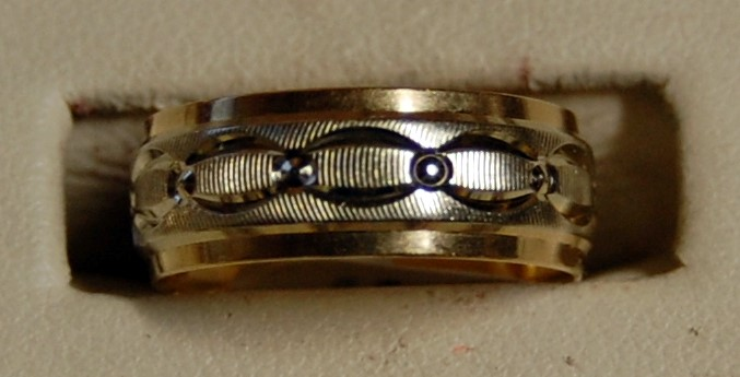 14K Yellow Gold Gent's Wedding Band 4.7G Size 6.5