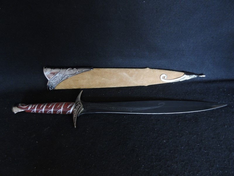 The Lord of the Rings Frodo Baggins Sting Sword with Sheath