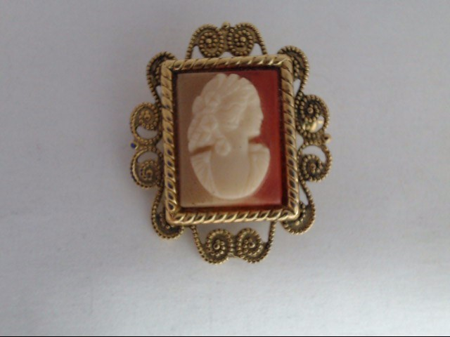 Synthetic Cameo Gold-Stone Pendant Yellow Gold Filled 4.62g
