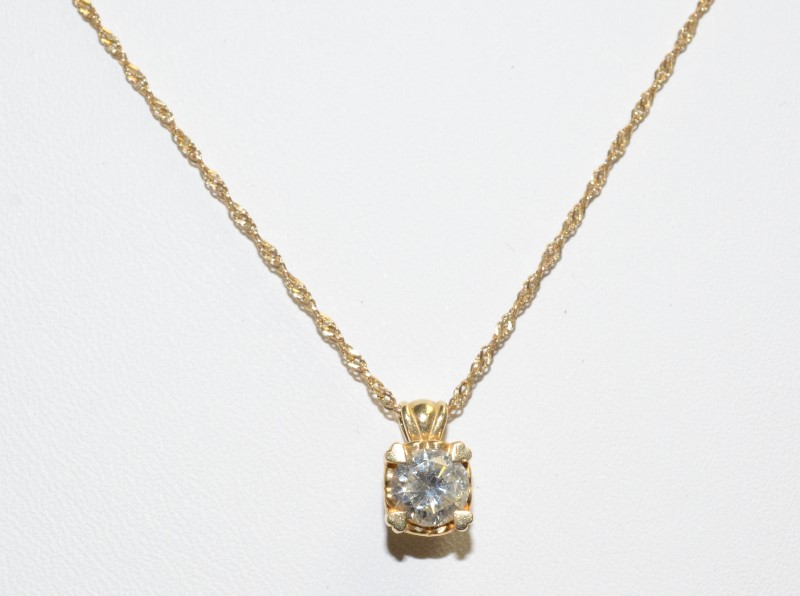 Gold-Diamond Solitaire Pendant 0.65 CT. 14K Yellow Gold 2.8g