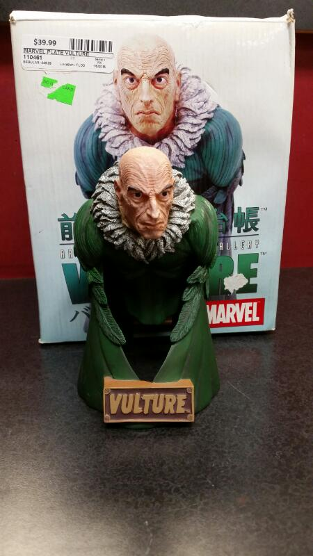 MARVEL Collectible Plate/Figurine VULTURE