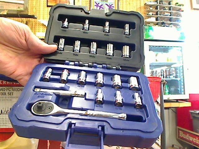 KOBALT TOOLS Sockets/Ratchet 0338509 20PC SOCKET SET