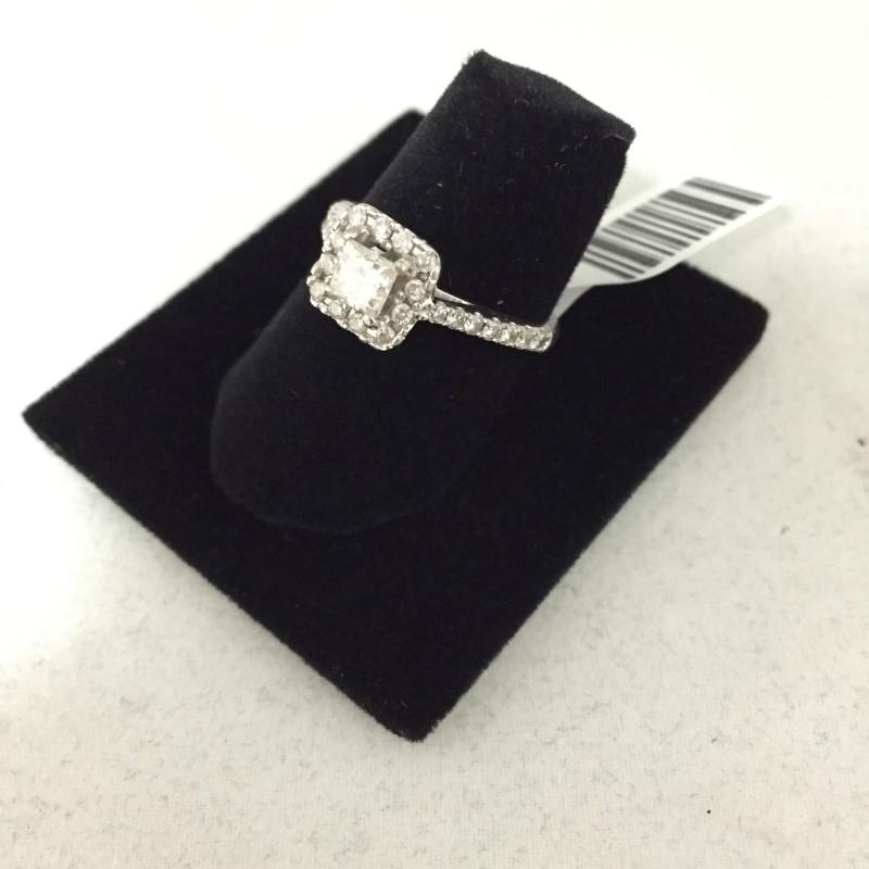 Lady's Diamond Engagement Ring 28 Diamonds .95 Carat T.W. 14K White Gold 2.5dwt