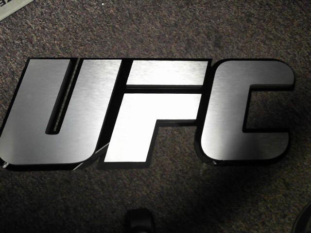 UFC Sign UFC ULTIMATE FIGHTING CHAMPIONSHIP PLEXIGLASS SIGN