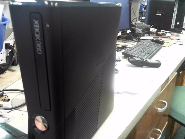 MICROSOFT XBox 360 XBOX 360 S - 4GB - 1439 - CONSOLE