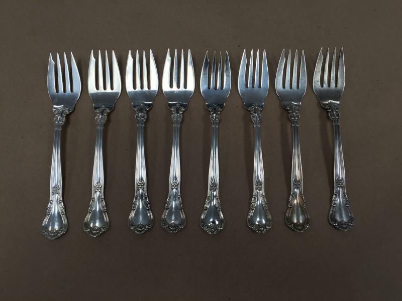 STERLING SILVER GORHAM CHANTILLY 38 PIECE DINNER FLATWARE SET