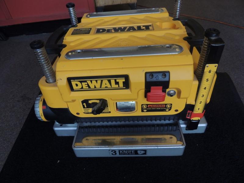 "Dewalt DW735 Heavy Duty 13"" Three Knife, Two Speed Thickness Planer"