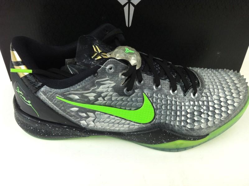 "Nike Kobe 8 System ""Christmas"" SZ 9.5"