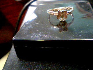 Lady's Gold Ring 10K 2 Tone Gold 1g Size:5.5