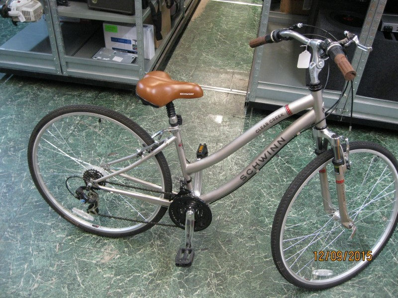 SCHWINN Mountain Bicycle CLEAR CREEK