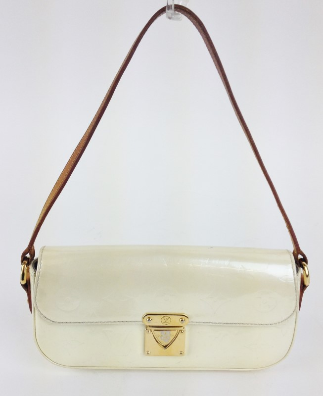 LOUIS VUITTON Handbag VERNIS POUCHETTE CREAM