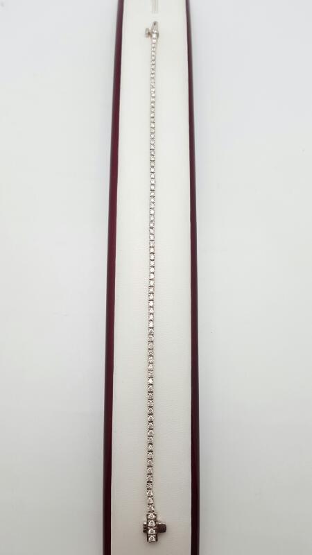 Gold-Diamond Bracelet 82 Diamonds 1.86 Carat T.W. 14K White Gold 7.3g