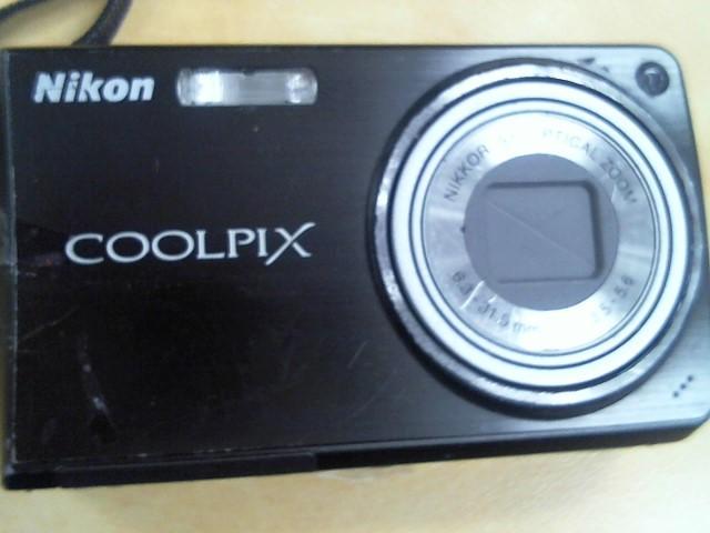 NIKON Digital Camera COOLPIX S550