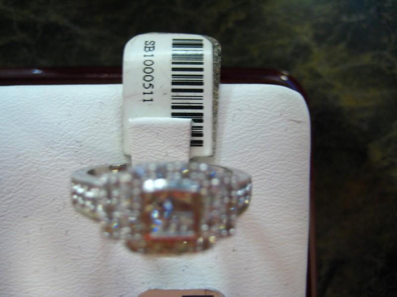 Lady's Gold Ring 14K White Gold 5.3g