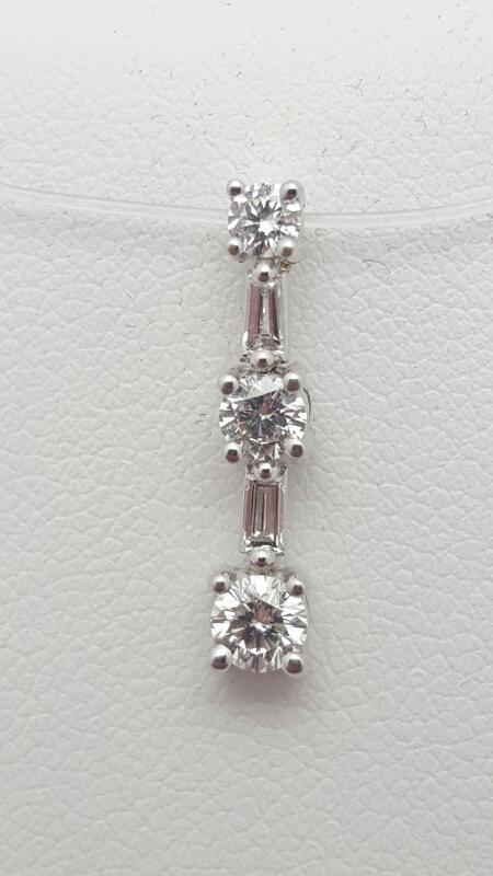 Gold-Multi-Diamond Pendant 5 Diamonds 0.51 Carat T.W. 18K White Gold 1.2g