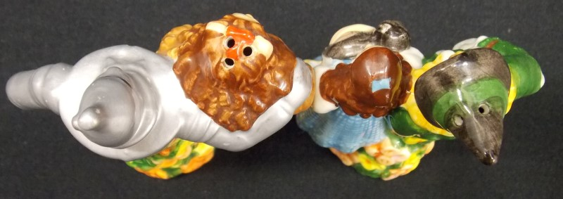 W IZARD OF OZ COLLECTABLE SALT & PEPPER SHAKERS