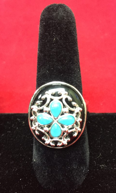 Lady's Silver Ring 925 Silver 8.7dwt Size:9