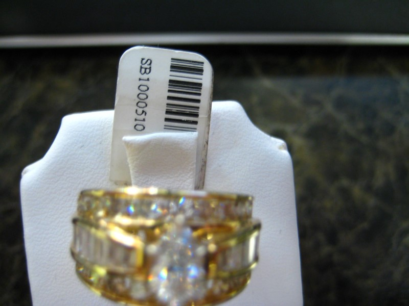 Lady's Gold Ring 14K Yellow Gold 10.03g