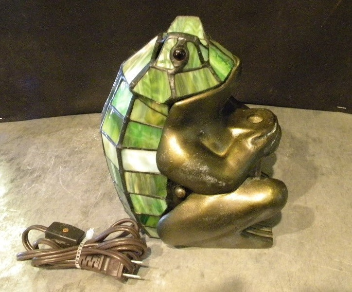 STAINED GLASS FROG LAMP