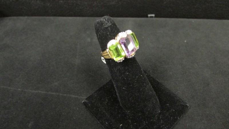 Synthetic Peridot Lady's Stone & Diamond Ring 18 Diamonds .18 Carat T.W.