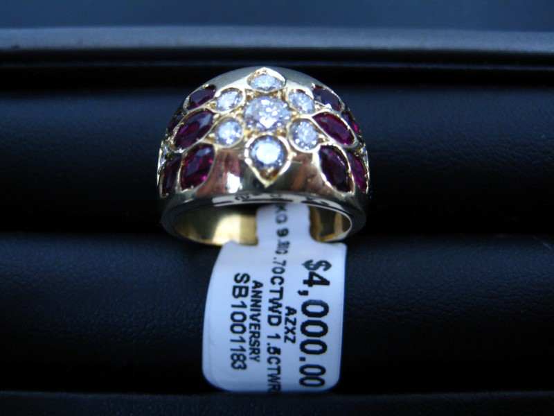 Lady's Gold Ring 18K Yellow Gold 9.88g