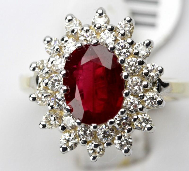 Lady's ruby & Diamond Ring 28 Diamonds .89 Carat T.W. 14K Yellow Gold