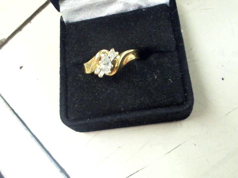 Lady's Diamond Wedding Set 5 Diamonds .37 Carat T.W. 14K Yellow Gold 3.3g