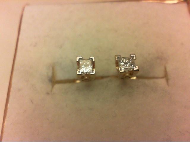 Gold-Diamond Earrings 2 Diamonds 0.3 Carat T.W. 14K Yellow Gold 0.8g