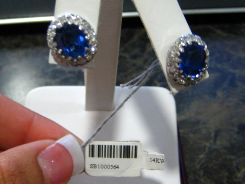 Gold Earrings 14K White Gold 5.2g