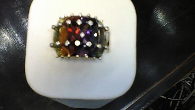 Synthetic Peridot Lady's Stone & Diamond Ring 14 Diamonds .14 Carat T.W.