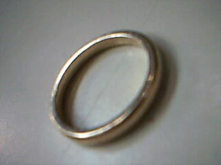 Lady's Gold Ring 18K Yellow Gold 3.3g