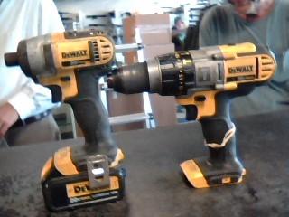 DEWALT Cordless Drill DCF885/DCD985 20V COMBO SET