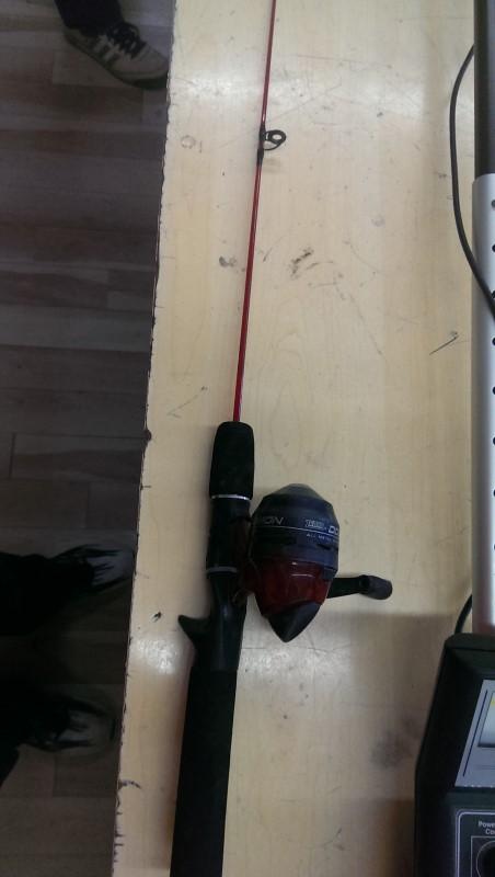 ZEBCO Fishing Pole DOCK DEMON